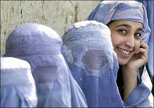 Hijab-Style-in-Afghanistan-4