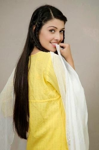 Hot-Model-Actress-Ayeza-Khan-ProfilePictures-5