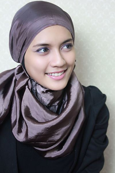 Malay-Girl-Muslim-Scarf-Styles-Pictures-2014