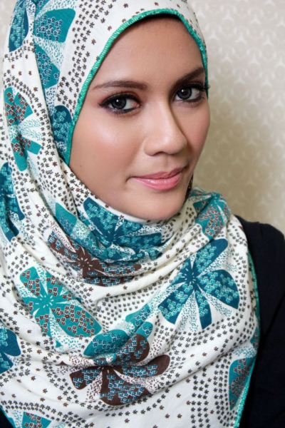 Muslim-Scarf-Styles-Pictures-2014-for-Malay-Girl
